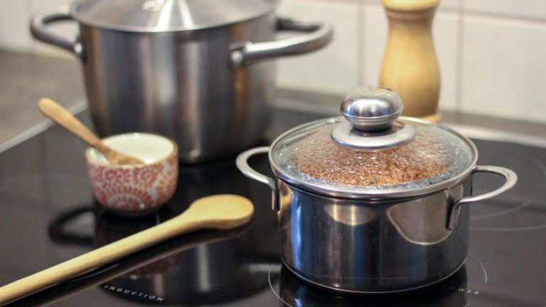 Klimaschonend kochen mit Deckel