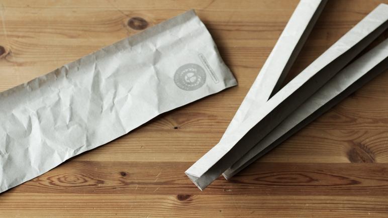 Aus Packpapier wird ein Körbchen